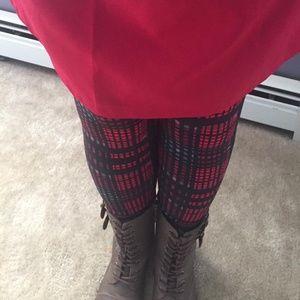 Pants - $10 Steal 😳 Plaid Holiday Leggings